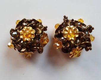 1960s yellow clip on earrings / vintage costume jewellery
