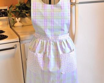 Women's Vintage Style Apron in Lavender Plaid