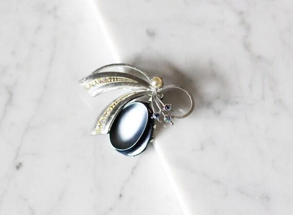 1980s blue silver loop brooch // 1980s silver bow pin // vintage brooch