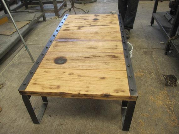 Mesa de centro vintage de madera reciclada y hierro medidas - Mesa centro madera y hierro ...