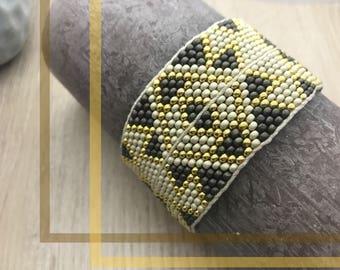 ICE - Cuff Bracelet woven 2.6 mm seed beads