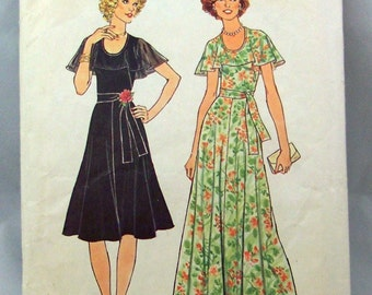 1970s Party Dress Sewing Pattern, Vintage Simplicity 7382, Flared Skirt with Cape Collar on Low Neckline, Size 14, Bust 36, Long Dress