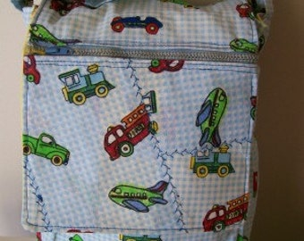REDUCED.  Thermal Lined Lunch bag with zippered front pocket
