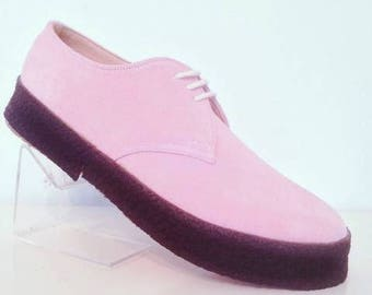 Chukka Shoe in Pink Suede