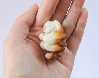 Sleeping cat felt / Sleeping cat toy / miniature cat / needle felted cat / birtday gift