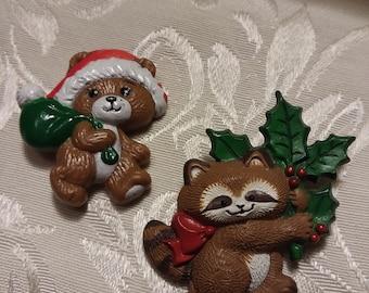 Christmas Critters Vintage Brooch Pair