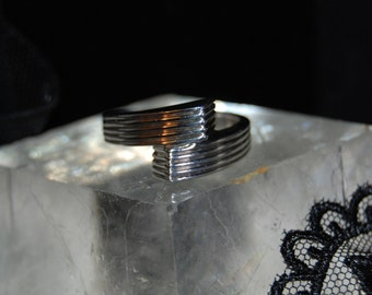 Vintage Ribbed Sterling By Pass Block Ring #BKC-RNGNST62