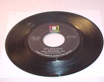 Papa Joe's Music Box - 45 Vinyl Record - Papa Joe's Thing / Jean