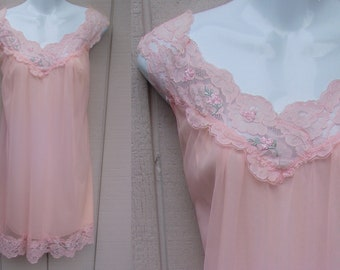 Vintage 50s to 60s Nylon Chiffon Nightgown by Aristocraft / Babydoll Nightie / Sml - Med