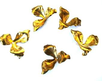 6 flower beads, gold color metal, vintage 24mm