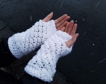Crocheted FIngerless Handwarmers (Angel Stitch)
