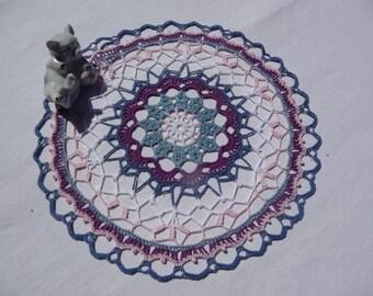 Style 'mandala' doily hand crocheted multicolored cotton.
