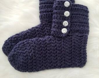 Women's slipper boots in navy size 8/9