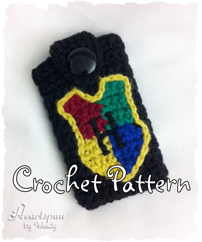 CROCHET PATTERN to make a Harry Potter Hogwarts Crest Phone Case for ...