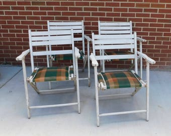 4 Vintage White Wooden Folding Deck Chairs with Original Padded Orange and Green Plaid Seats, Retro Folding Lawn Chairs, White Folding Chair