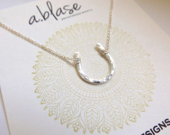 Small Silver Hammered Horseshoe Necklace // Cable Chain