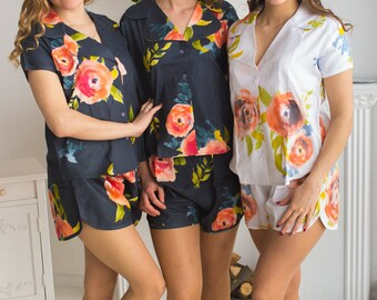 Notched Collar Style Pj Sets in Smiling Blooms Pattern - Bridesmaids PJs