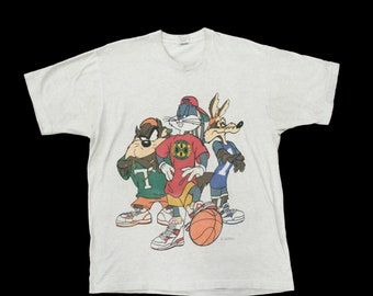 Vintage 1993 Looney Tunes T - Shirt - Scoop Neck - Gray Top - Ready To Wear - Short Sleeve - XL - USA - 100% Cotton - 90's