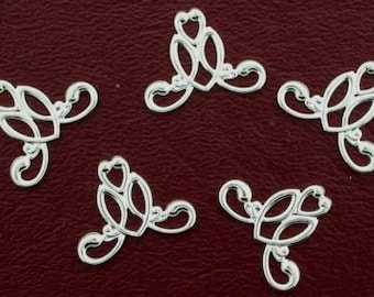 eight 19mm x 15mm ornate silver color filigree findings
