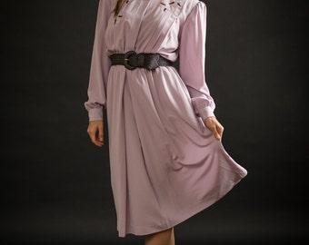 Vintage Pale Lavender Lily Embroidered Dress (Size Large)