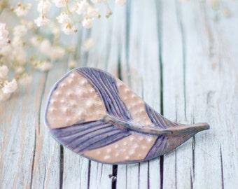 Blue ceramic feather brooch - Ceramic feather pin - Blue feather accessory - Ceramic brooch - Rustic blue  brooch - Tactile ceramics