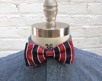 vintage red white and navy blue preppy striped bow tie / mautical bowtie