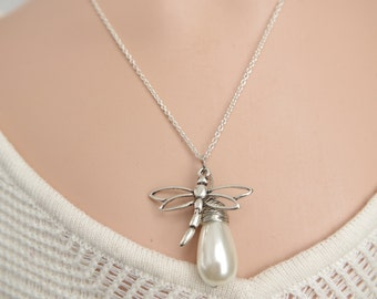 Dragonfly necklace Pearls necklace Dragonfly jewelry Dragonfly pendant Silver neckace Anniversary gift Christmas  gifts Girlfriend gift