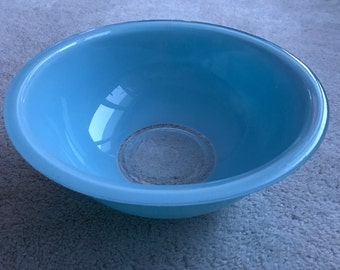 Pyrex 325 Moody blues turquoise blue bowl