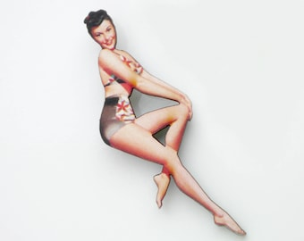 Pinup Girl Brooch Wooden Pin Up Accessory Brunette Poster Girl Pin Up in Tiki Bikini