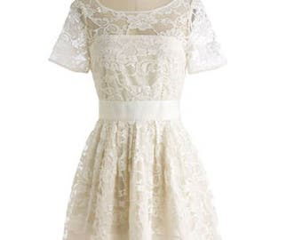 New Off white wedding dress bridesmaids dress Never worn with tags. Size S (34-36) Cotton.Lace