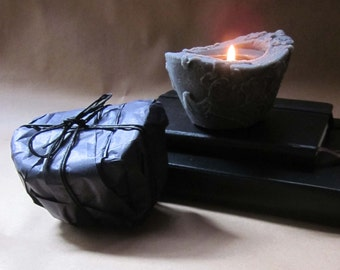 Beeswax Palmwax Candle, Classic Black Natural Wax Candle in the color black, Scented Candles