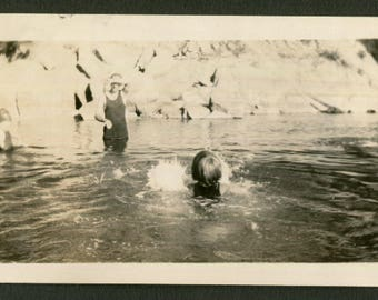 Vintage Snapshot Photo Little Girl Swimming To Her Dad 1920's, Original Found Photo, Vernacular Photography