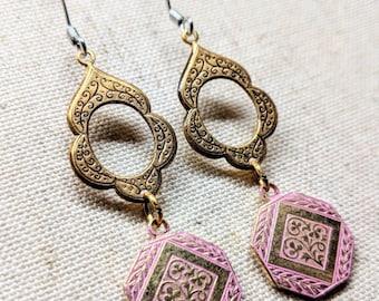 Solid Brass Earrings / Flower Earrings / Vintage Style Earrings / Geometric Earrings / Hammered Brass Earrings / Nickel Free / Stainless Ear