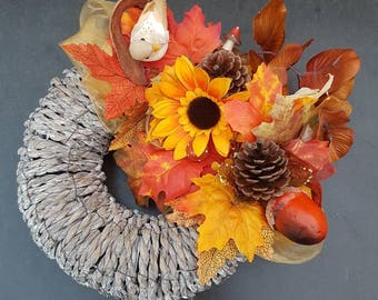 Garland//door hanger//autumn//table piece hand made//Thanksgiving///fall//decoration/indoor/outdoor//gift//autumn leaves//fall