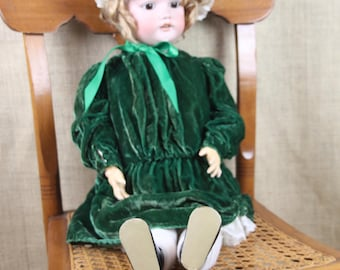 SIMON HALBIG #1079 Vintage Bisque & Composition Doll in Green Velvet Dress with Bonnet