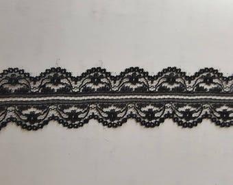 Black/ white Double scalloped Lace trim