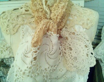 Scarf made of vintage lace & doilies