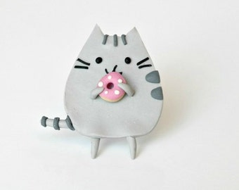 Pusheen cat with donut - brooch