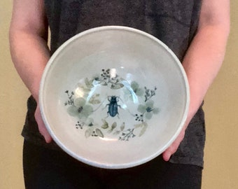 Large serving bowl with Beetle design