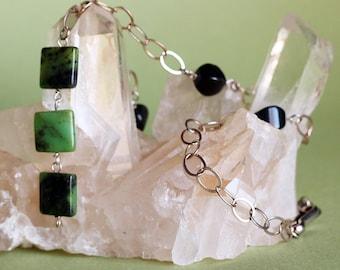 Collier en obsidienne noir et Serpentine vert Y