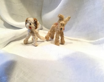 2 Chenille Pipe Cleaner Dogs
