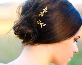 Dainty Oak Leaf & Acorns Hair Pin Rustic Wedding  Gold Oak Branch Rustic Chic Bride Leaves Clip Bobby Pin Hair Accessory Woodland Nature