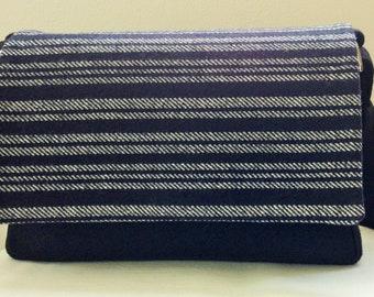 Pouch bag with flap adaptable, wool herringbone bag