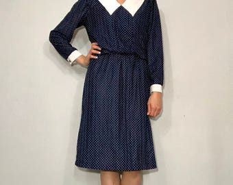 1970s polka dot collared dress
