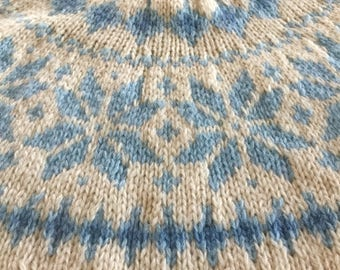 Yummy Cozy Eddie Bauer M Sweater 100 Percent Wool