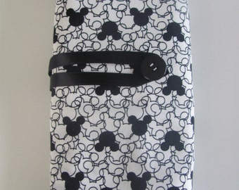 Dpn forest black mickey head pouch
