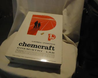 Vintage Lionel-Porter Chemcraft Chemistry Lab Set In Case Has Lamp, collectable