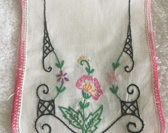 Dresser Scarf with Hand Embroidery / Crochet Trim  / Estate Find  / Shabby Chic Decor / Vintage Handmade Dresser Doily