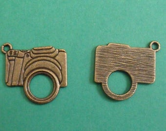 bronze charm, set of 2, camera, 23mmx23mm for all your creations