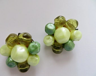 Vintage clip on earrings MINT green color beads 60's